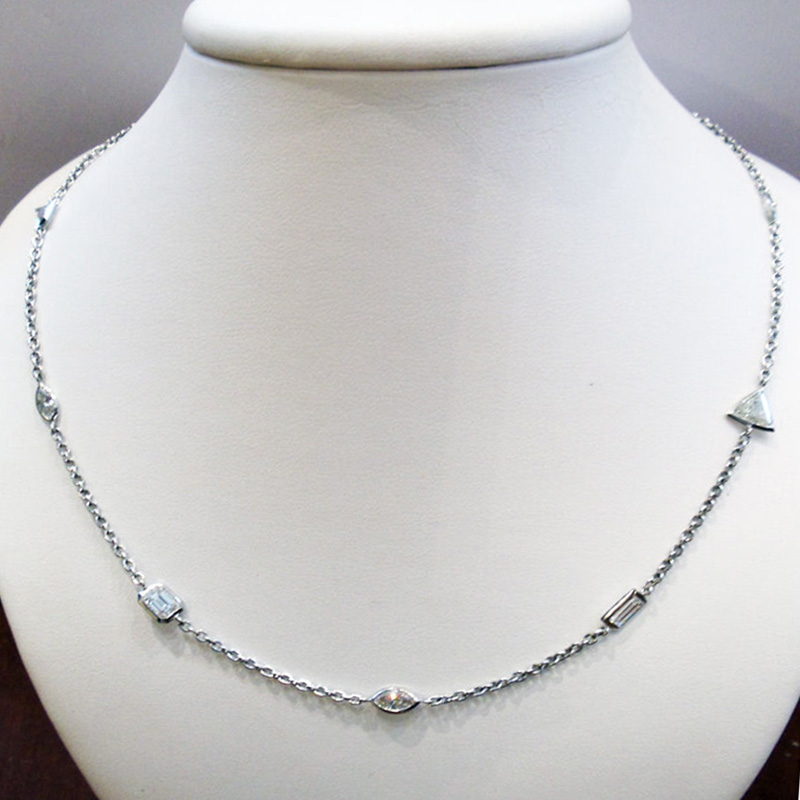 Diamond Necklace 4.77 Carats Platinum