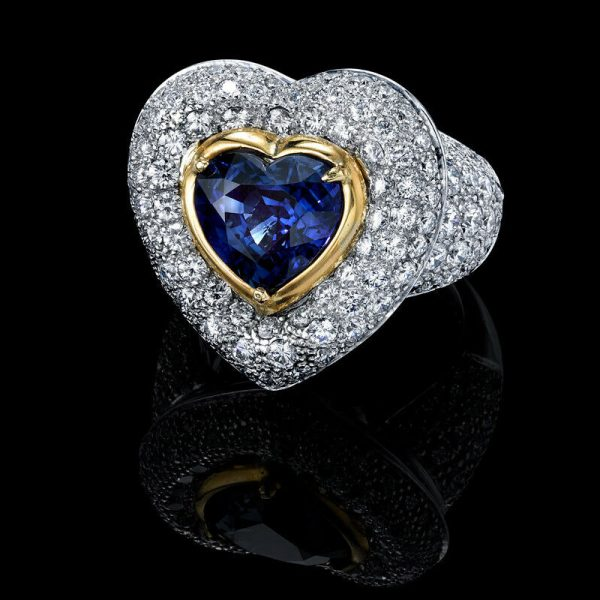 BLUE SAPPHIRE HEART RING WITH DIAMONDS