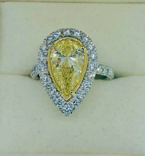 PEAR SHAPE YELLOW DIAMOND RING
