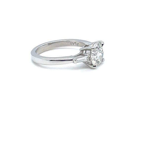 DIAMOND 1.72 CARATS ROUND ENGAGEMENT RING WITH TAPERED BAGUETTES